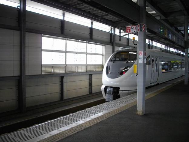 特急しらさぎ683系 (2000番台)1号車