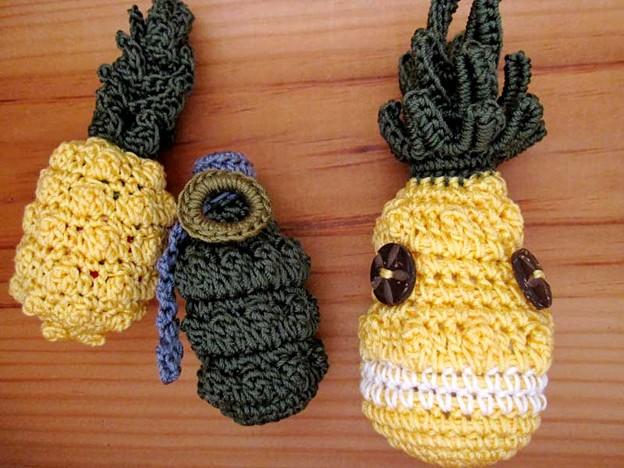 Photos: パイナップルと手榴弾とパイナップルの精霊