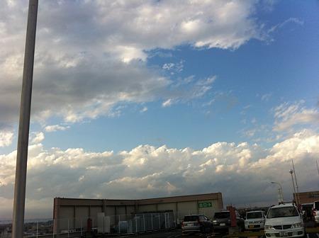 イオンの屋上から見た雲