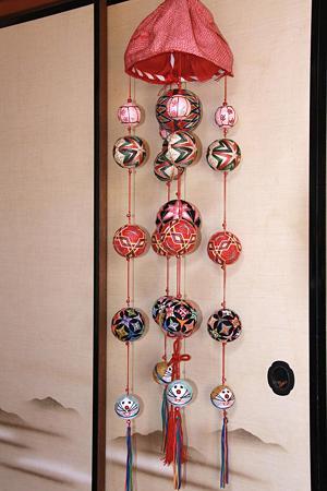 雛祭りの吊るし手毬