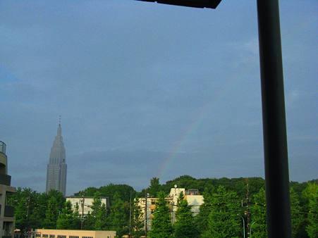 虹とドコモタワー1