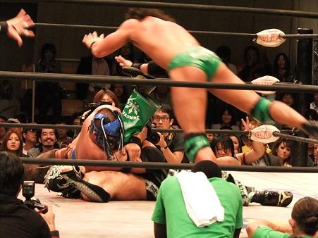 ドラゴンゲート CIMA&リコシェ&サイバー・コングvs吉野正人&YAMATO&ドラゴン・キッド 20111012 (4)