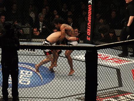 UFC 144 ライト級タイトルマッチ フランク・エドガーvsベンソン・ヘンダーソン (7)