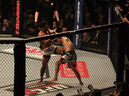 UFC 144 ライト級タイトルマッチ フランク・エドガーvsベンソン・ヘンダーソン (9)