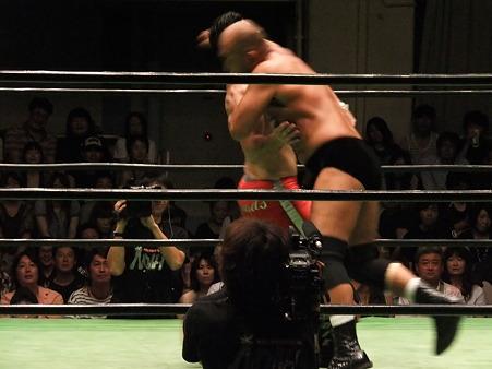 NOAH 高岩竜一vsエディ・エドワーズ (4)