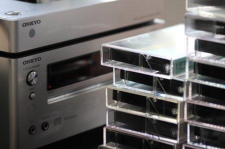 2011.11.13 机 カセットテープ