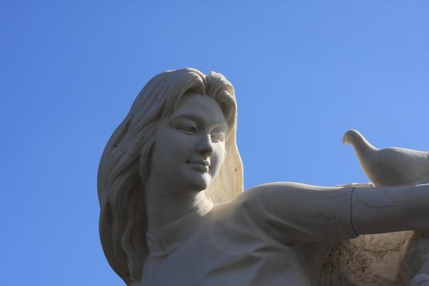 写真: 2012.01.26 長崎 平和公園 乙女の像