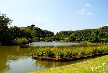 舟と塔のある風景・・