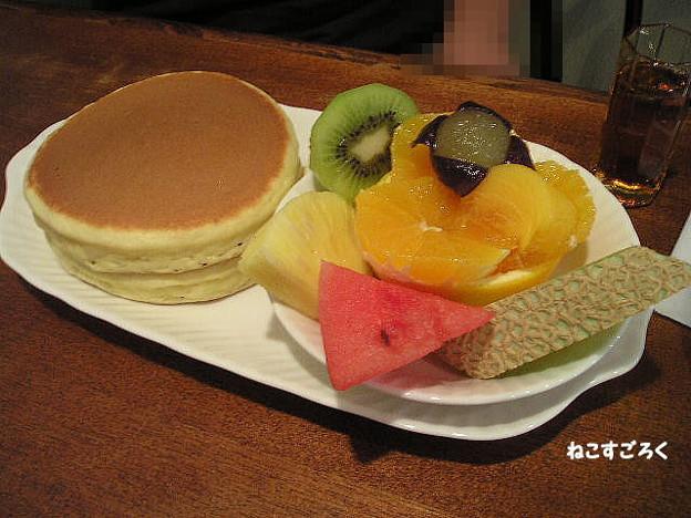 プチモンド @ 赤羽 ホットケーキとフルーツ