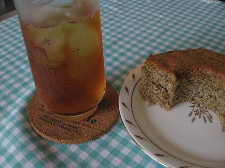 激うまの紅茶シフォンとアイスティー
