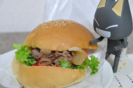 うし丸バーガー(道の駅・竜王かがみの里【滋賀】)