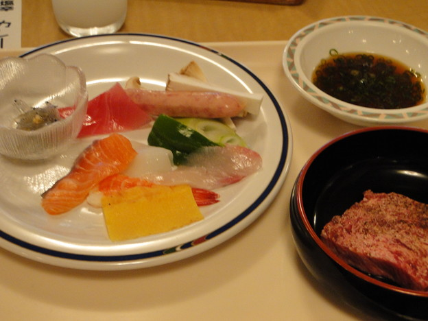 写真: ヲレの晩ご飯バイキングその1