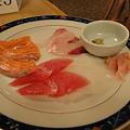 写真: 刺身キター本当は海鮮丼なのだが